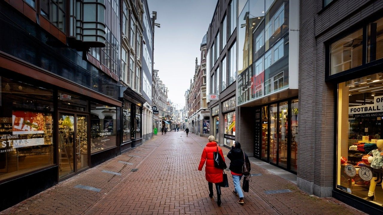Winkelstraat leeg coronacrisis retail