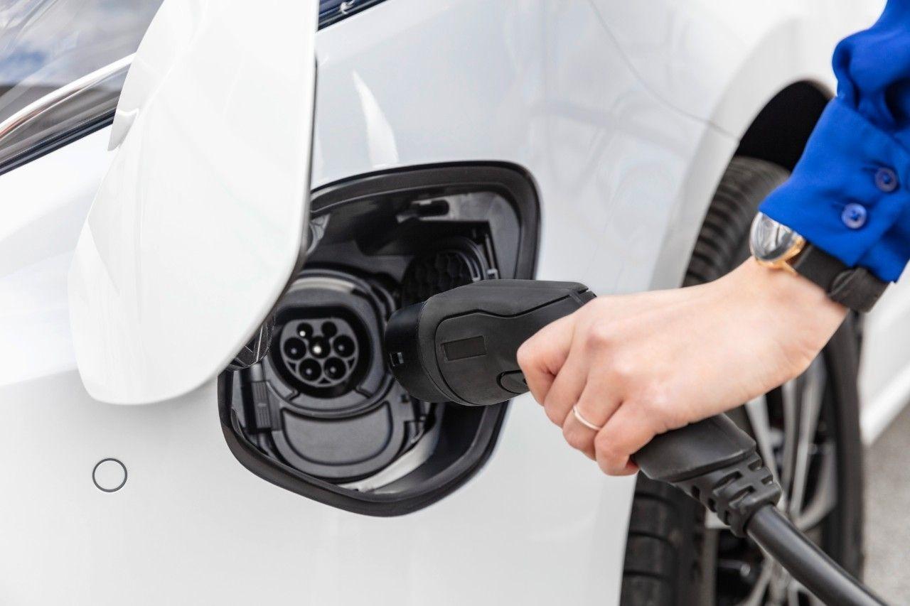 Mercedesbenz evito stekker elektrisch rijden