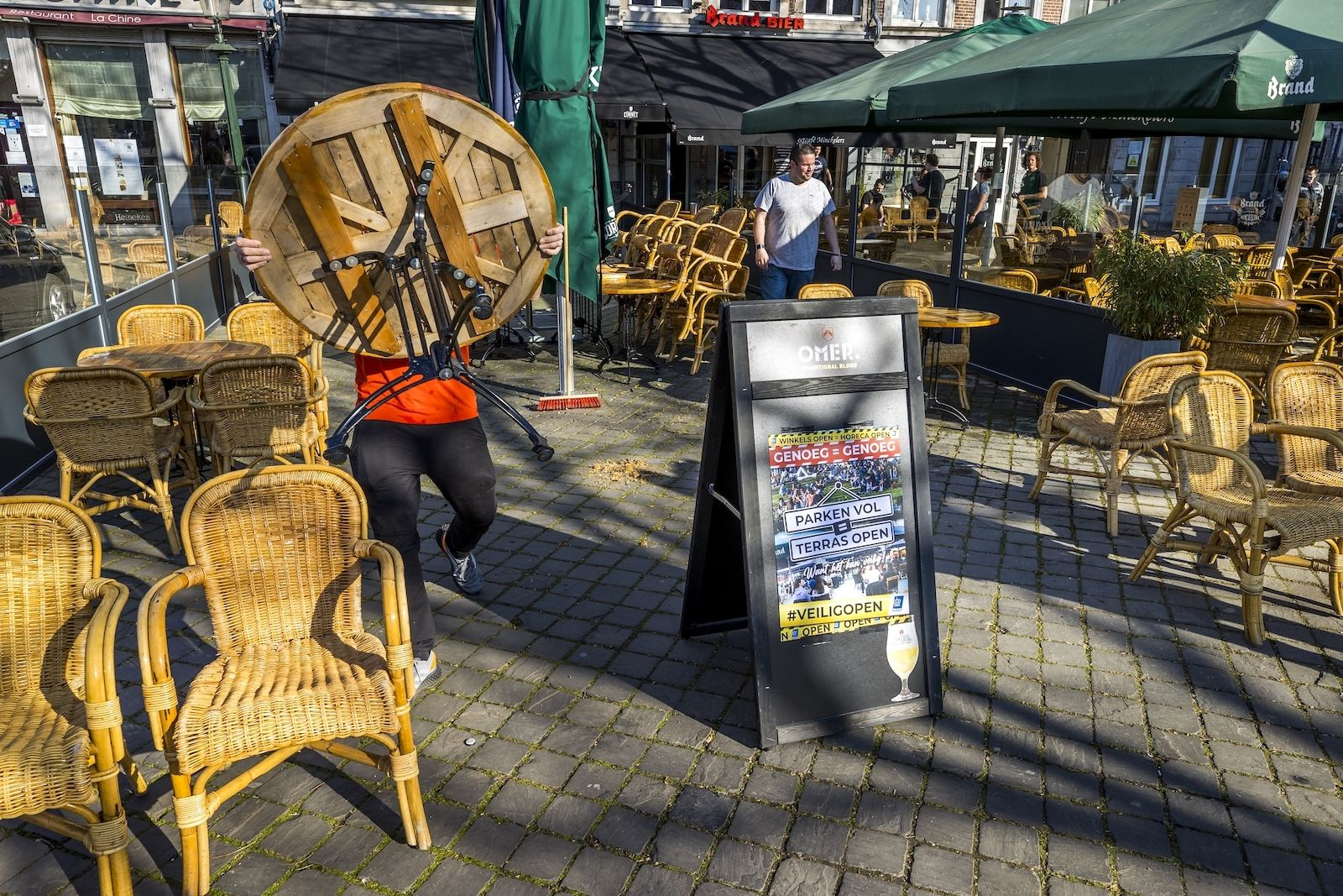 Maastricht terrassen horeca protest Rutte corona maatregelen