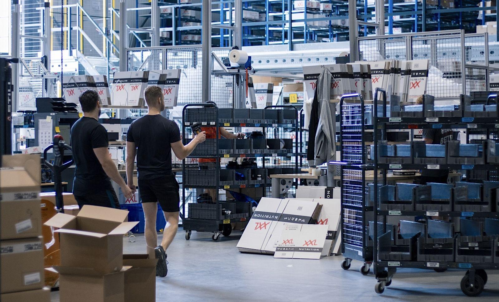 René van der Zel xxl nutrition voeding retail magazijn