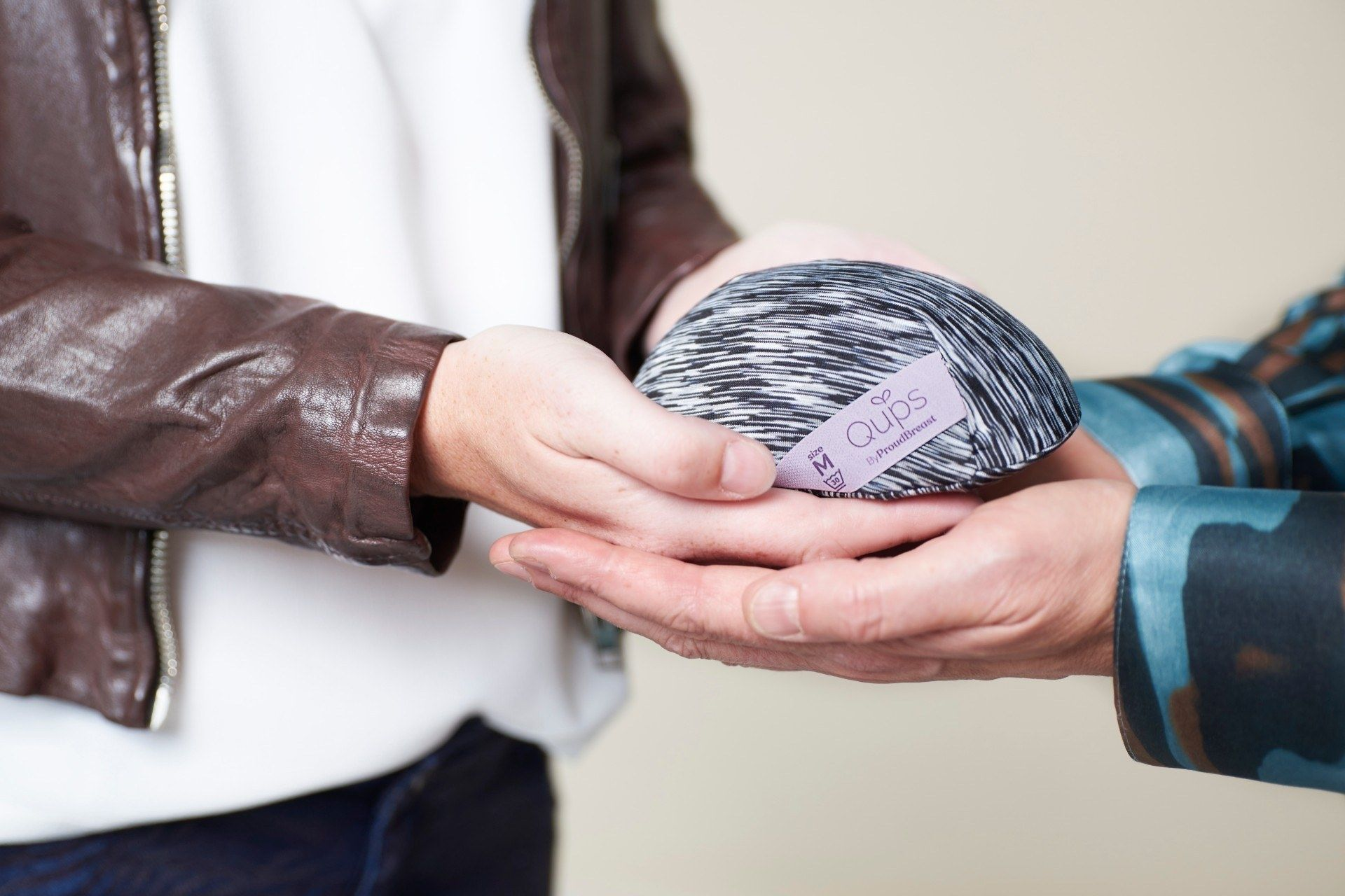 Duizenden vrouwen profiteren prothese investering dragons den 1