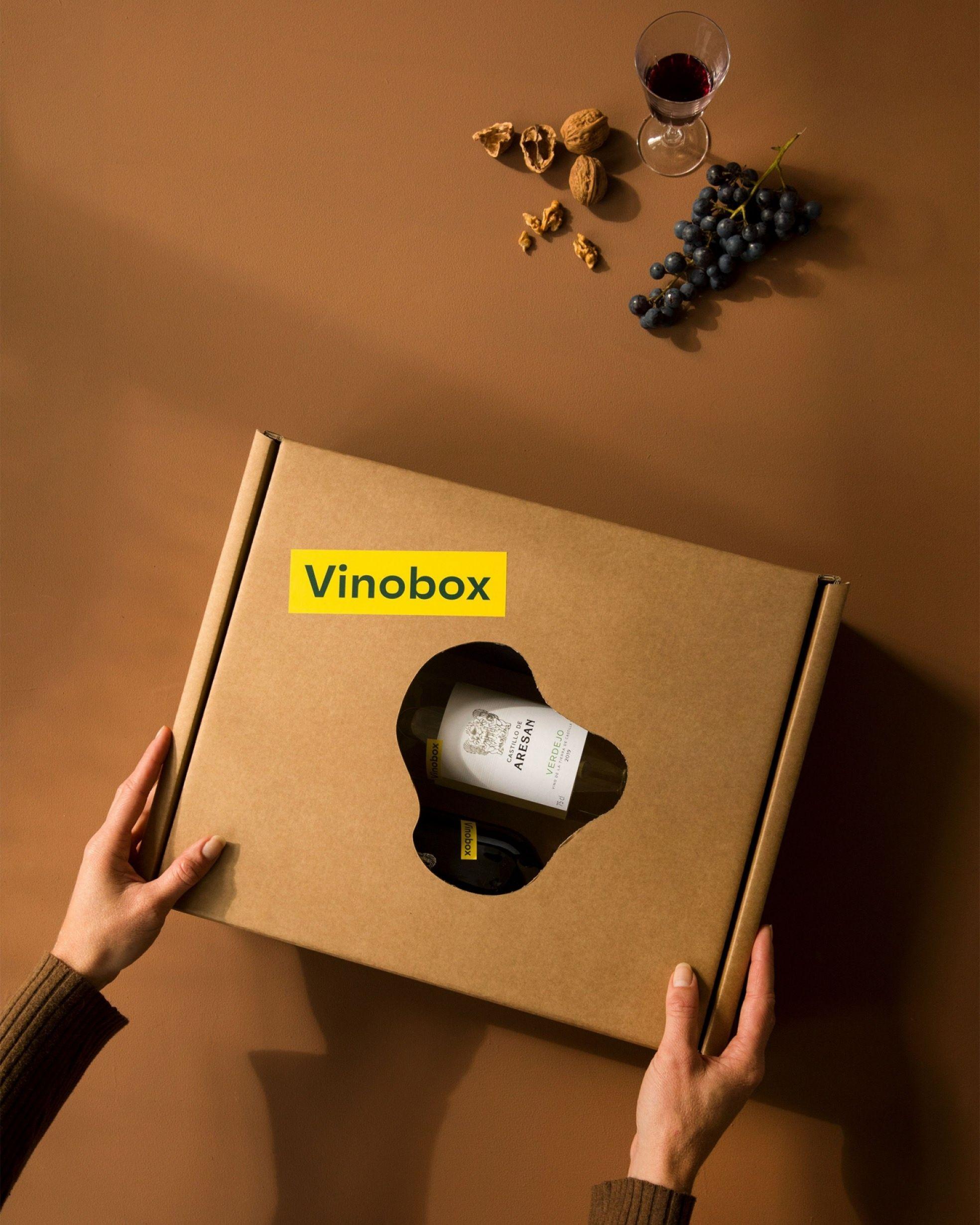 Vinobox wijn doos handen