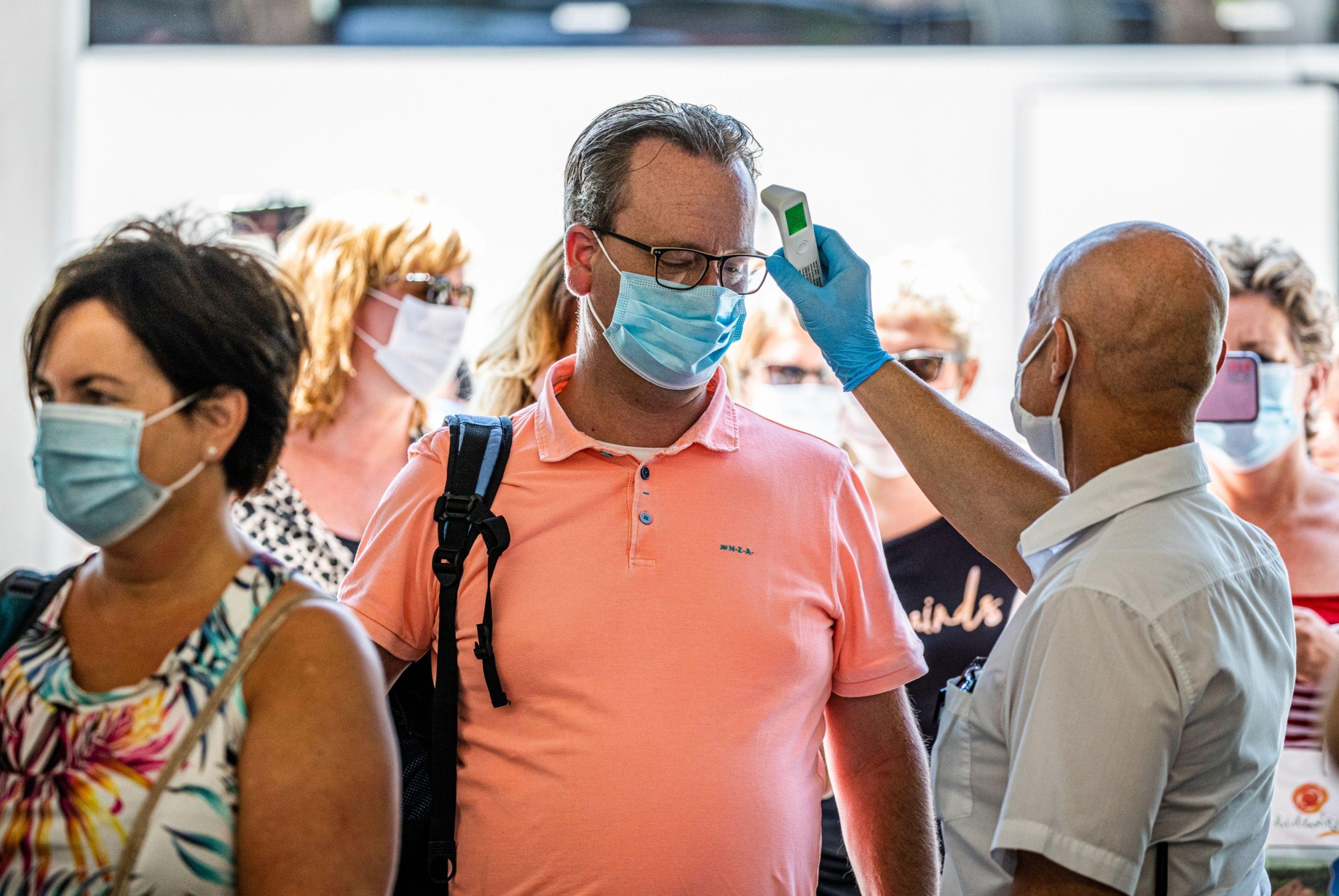 Corendon vakantievlucht bulgarije mondkapjes coronavirus