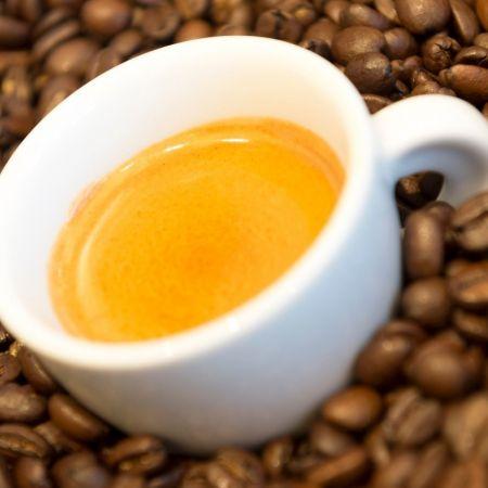 Koffie thuiswerken lockdown speciaalzaken online simonlevelt koffiebonen thuisbezorgd