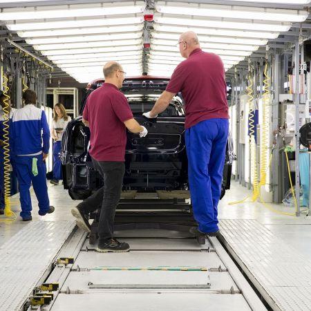 VDL Nedcar innovatie auto industrie corona