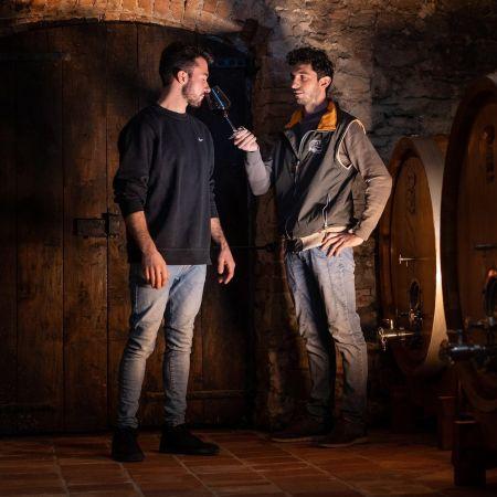 Abrigo mannen wijn vat kelder
