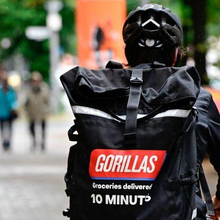 Gorillas flitsbezorging koerier rug