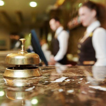 Hotel lobby bel receptie