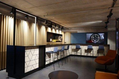Showroom bar seat cupra