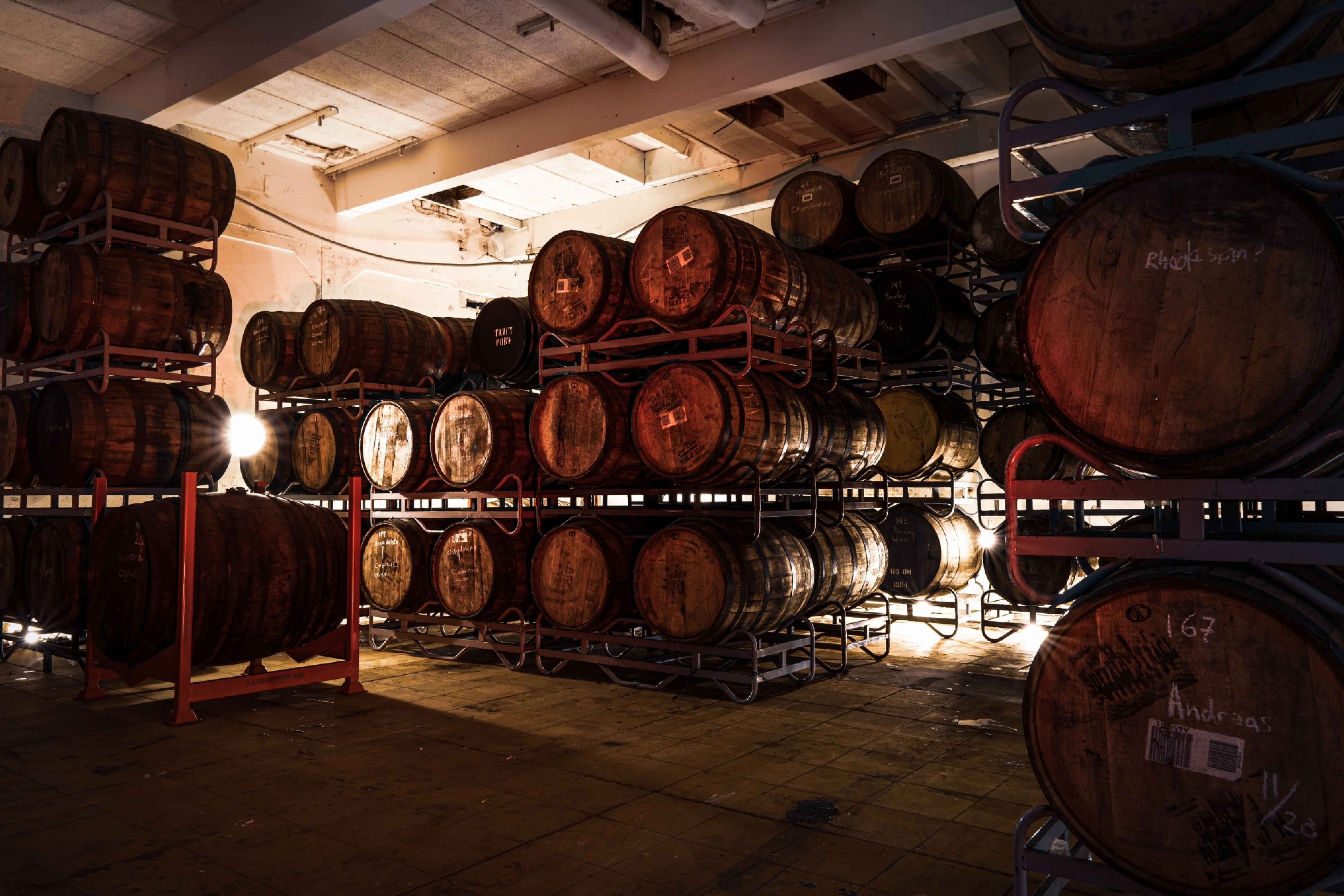 Frontaal barrels bier