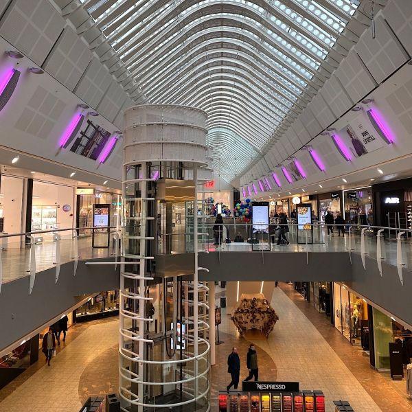 Van Tellingen retail ijsland winkelcentrum Smaralind