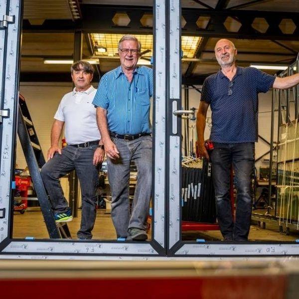 Van links naar rechts Directeur to be Amir Grgic en broers Ton en Rob Valk oprichters van Alupui