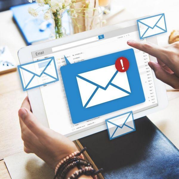 Inbox email laptop