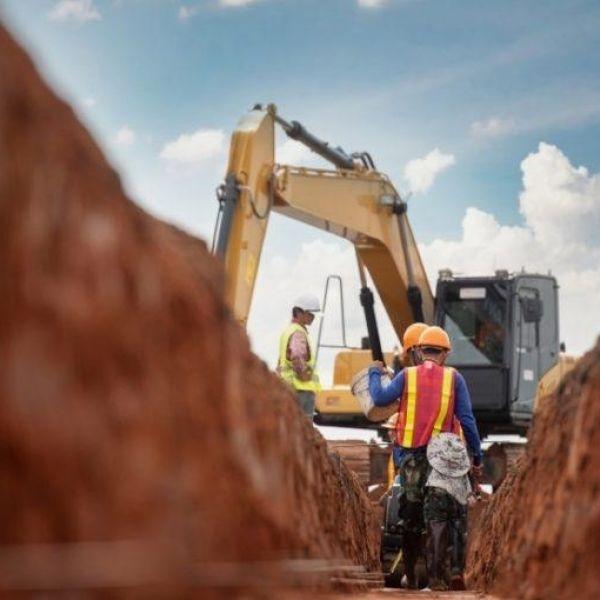 Pfas bouw uitstoot stikstof crisis bouwbedrijven minder werk