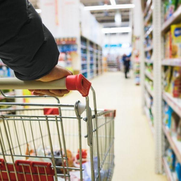 Supermarkt winkelwagen openingstijden
