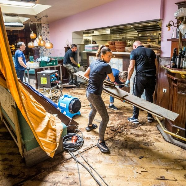 Valkenburg overstroming ondernemer horeca limburg benefiet max