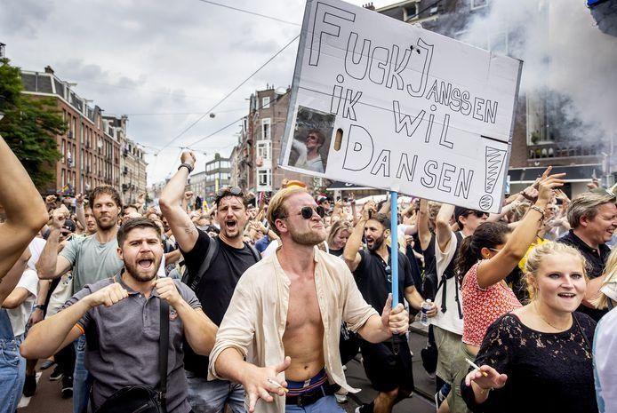 Unmute us dansen bij jansen demonstratrie