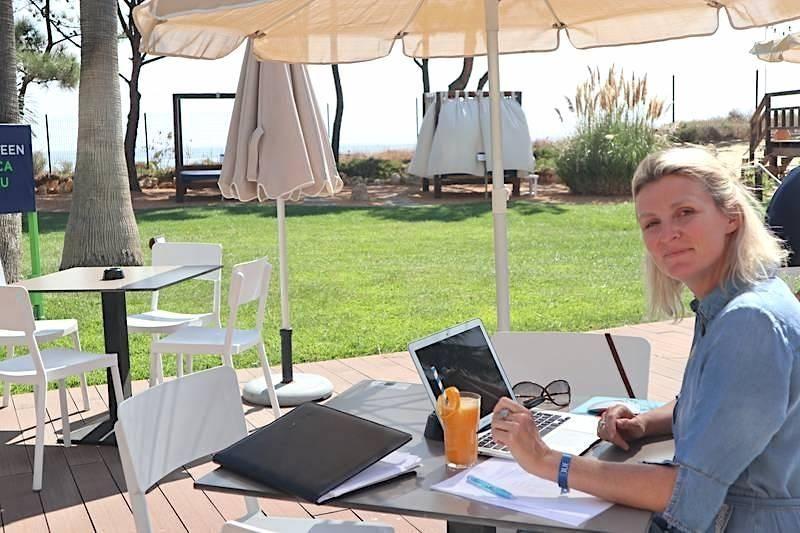 Workation vakantie thuiswerken coronacrisis Els Lagrou