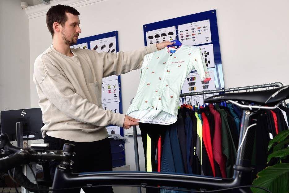 Michael Wagtmans is het creatieve brein van Rogelli en ontwerpt de kleding