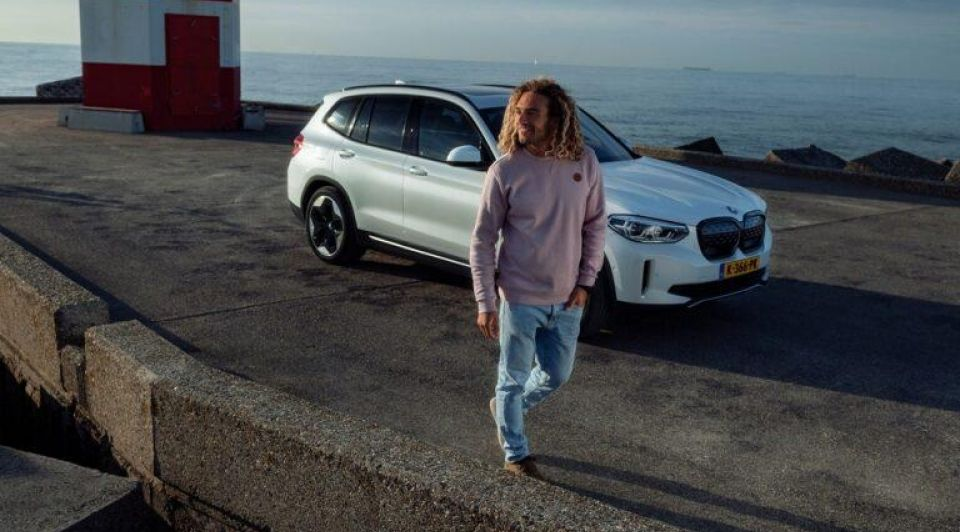 BMW i X3 4