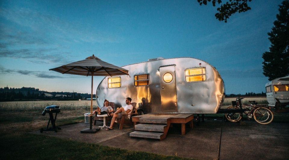 Camping camper vakantie reizen unsplash