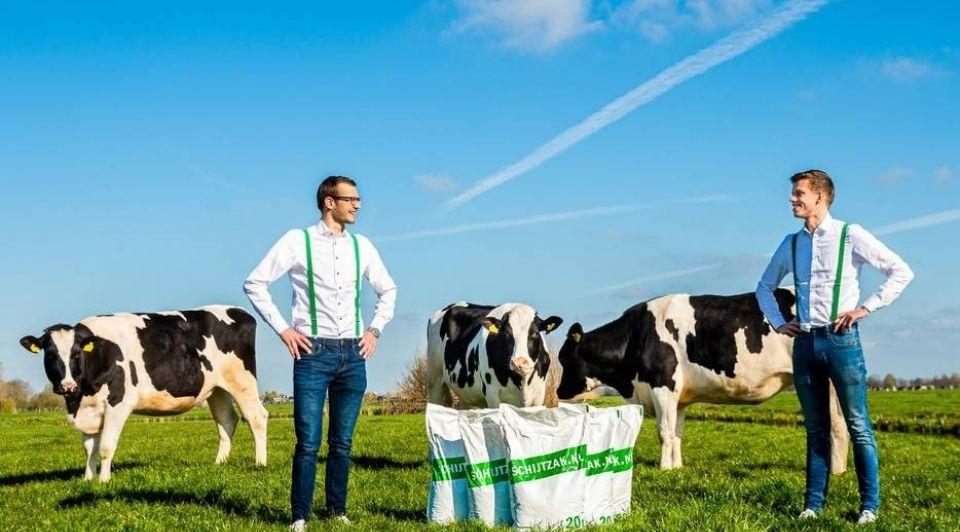 Hoogland en Zuidbroek verkopen gedroogde koeienmest