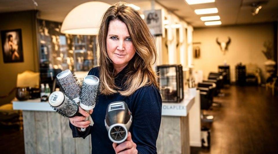 Marlene Cremers 46 eigenaresse van Marna Hairclub