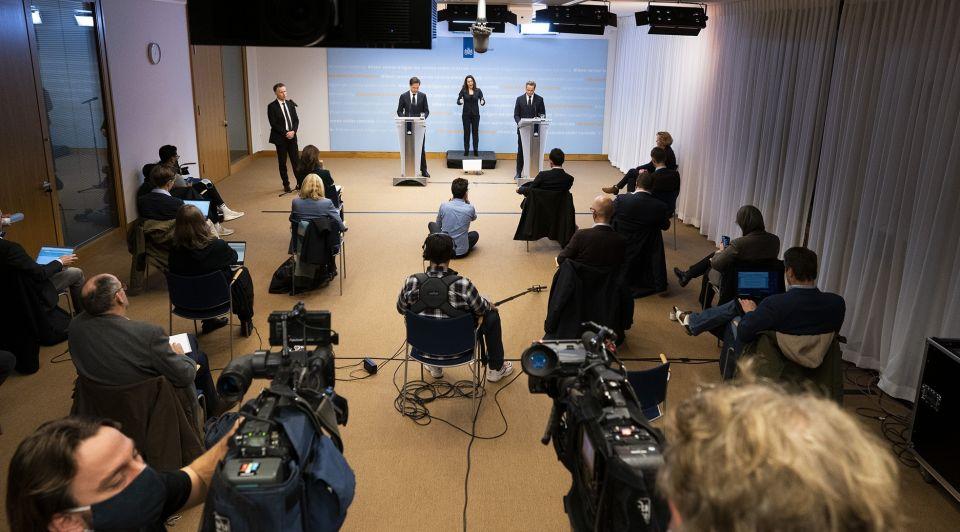 Persconferentie Rutte De Jonge december 1