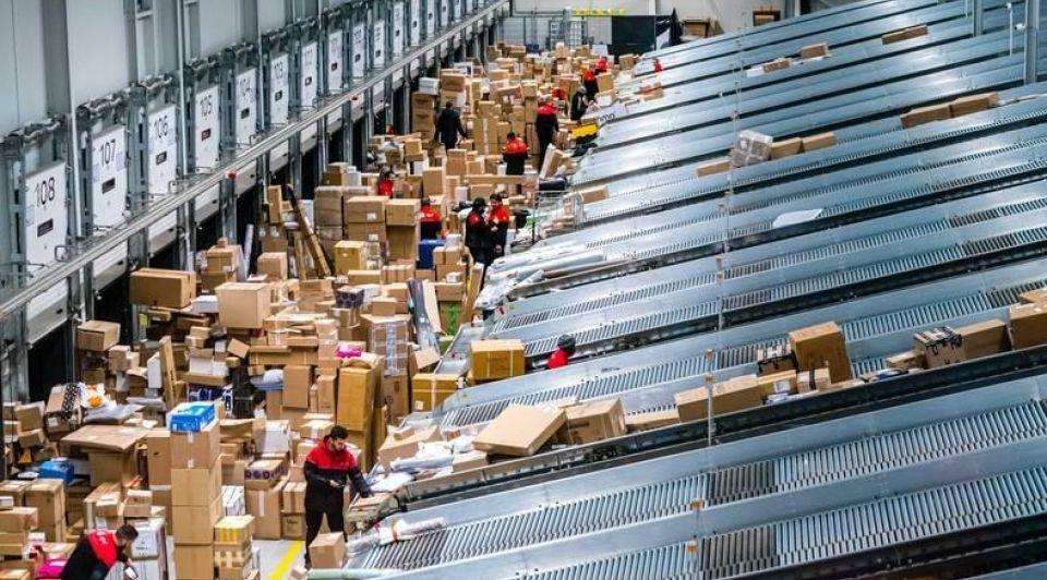 Personeel sorteercentrum bezorging anp