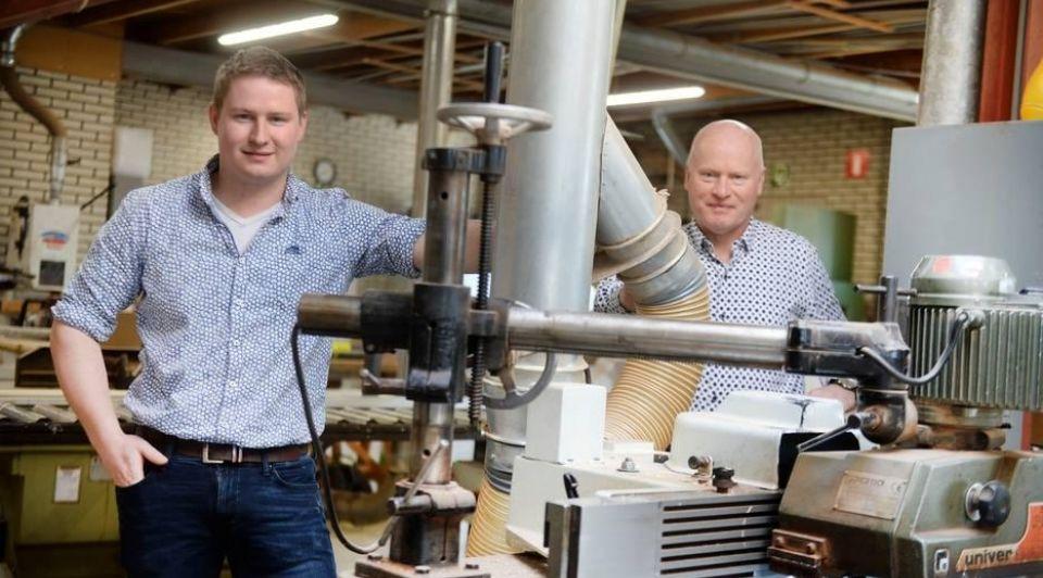 Rik Meijerink zevende generatie aannemersbedrijf rechts zijn vader