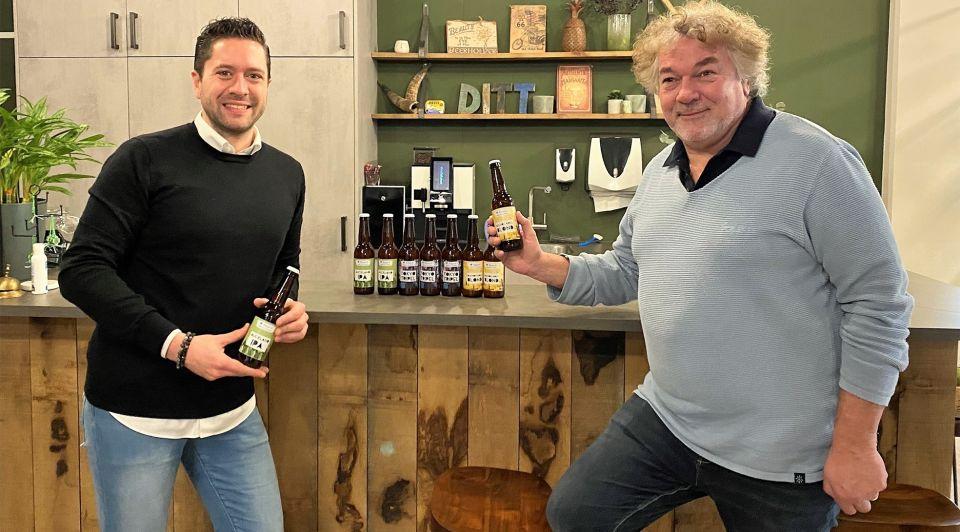 TJ Tom van Apeldoorn reizen uitgeverij bier