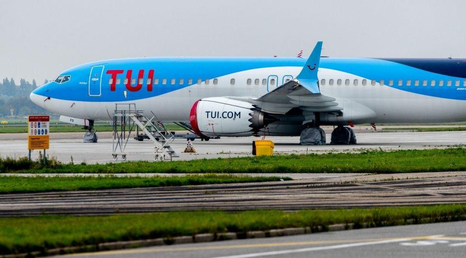 TUI vliegtuig vakantie schiphol