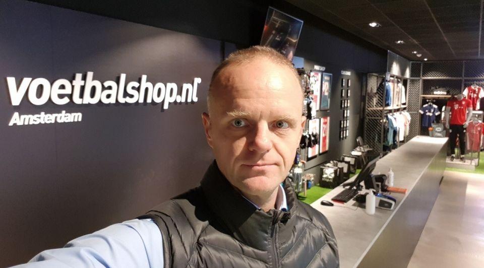 Voetbalshop Bas Perik winkel instore
