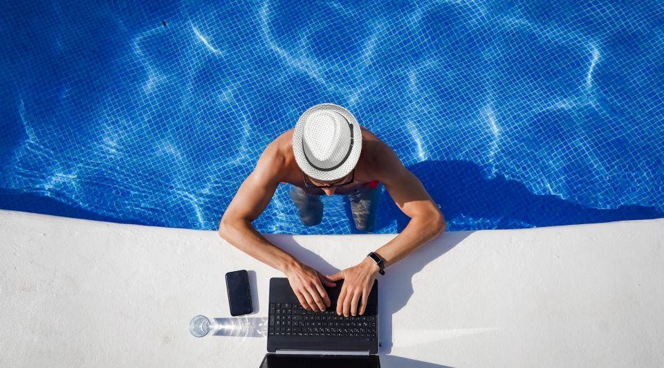 Workation thuiswerken werk vakantie corona crisis