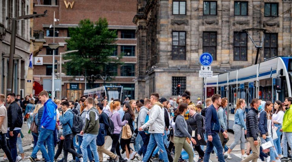 Amsterdam coronamaatregelen mondkapjes