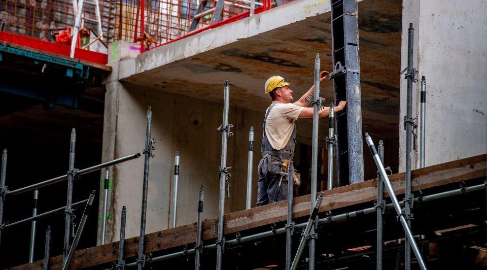 Aov zzp zelfstandigen premie populair bouw industrie