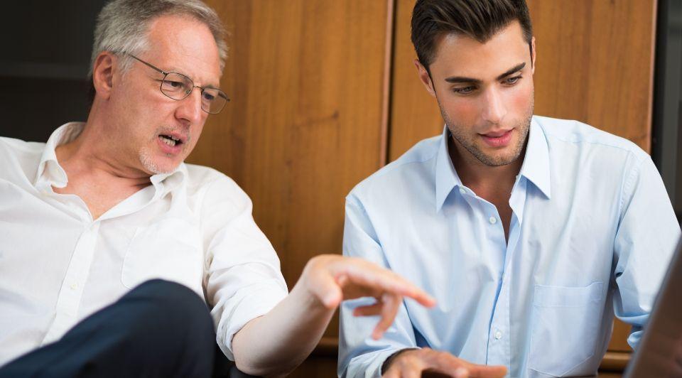 Bedrijfsoverdracht familiebedrijf vader zoon zelfreflectie