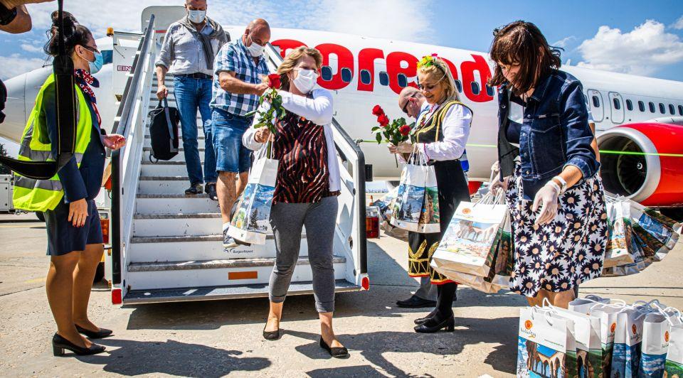 Corendon vakantievlucht welkom bulgarije mondkapjes corona