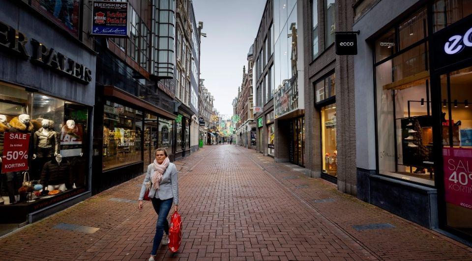 Coronacrisis retail winkelstraat leeg