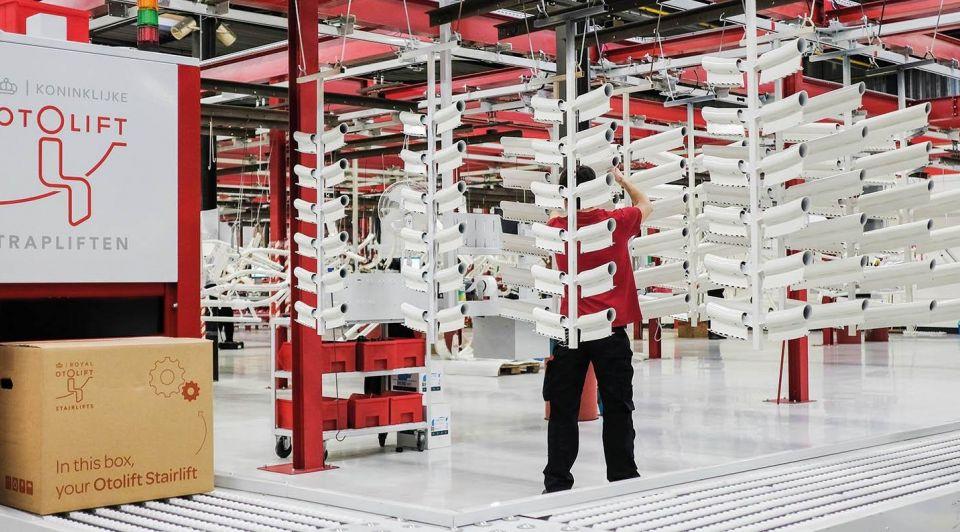Deondernemer fabriek otolift nieuw