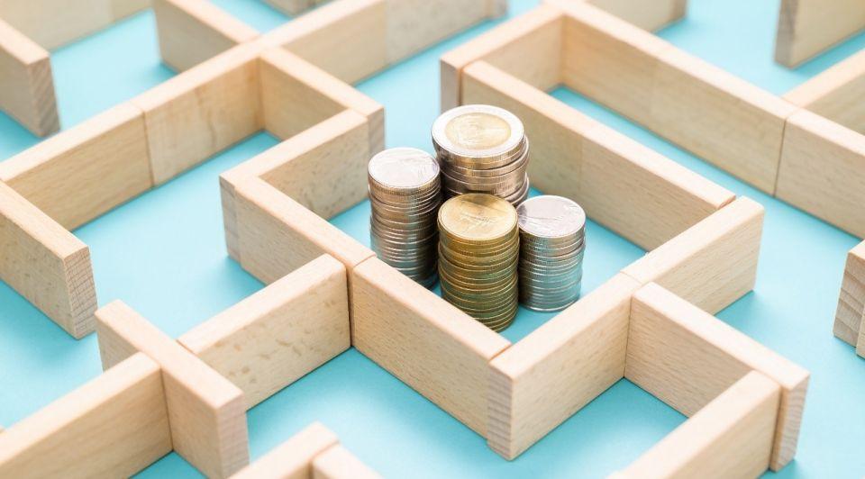 Geld schulden crisis doolhof