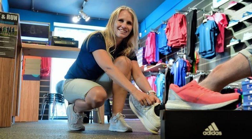 Hardloop schoenen joggen kleding kopen voorraden winkeliers ondernemers
