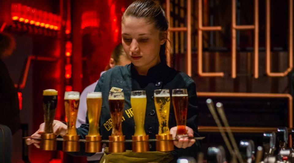 Horeca personeel bier cafe bar unsplash