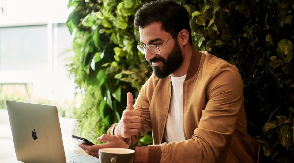 Laptop ondernemer succes unsplash