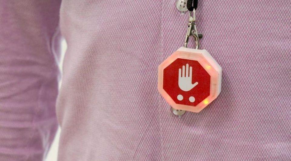 Novick 15meter afstand wearable alarm corona blog