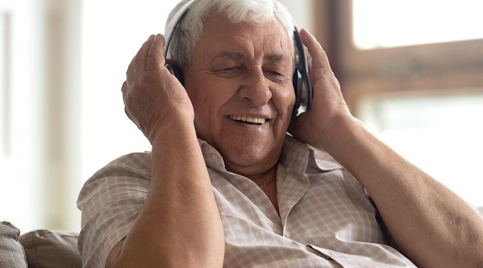 Ouderen dementie muziek boek studenten student company Emjoy innovatie