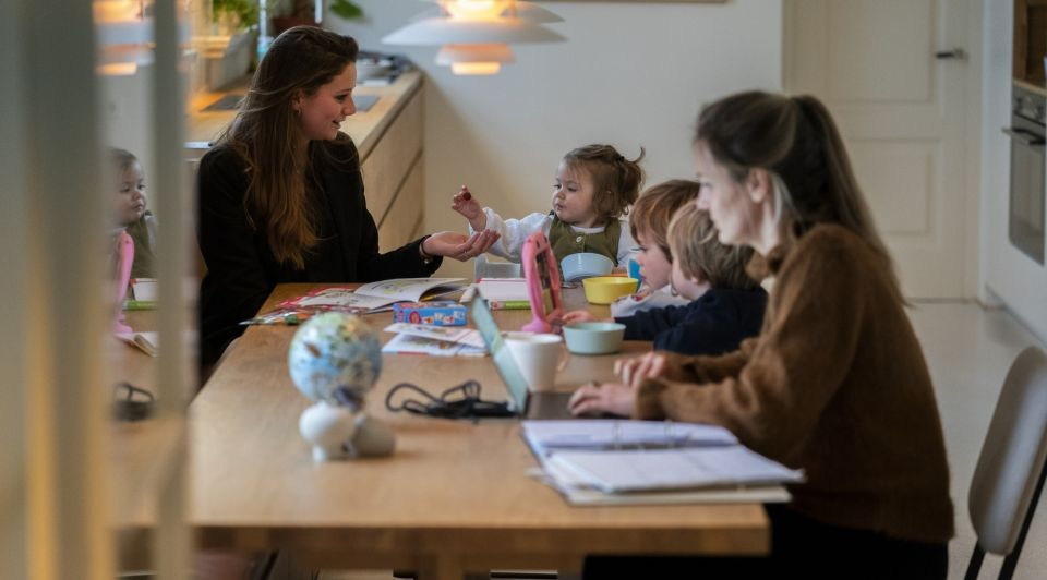 Ouders werken regeling oppas betaald2