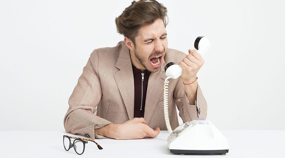Pesten werk collega werkvloer