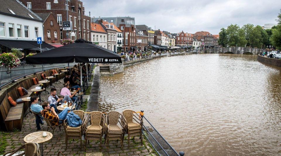 Roermond terras overstroming watersnood