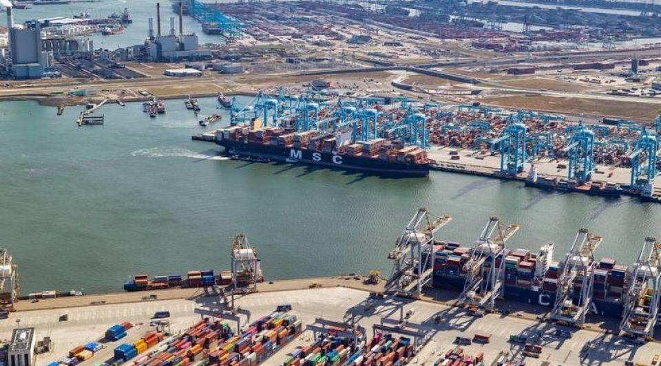 Rotterdamse haven containerschepen vertraging